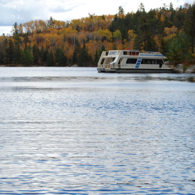 Voyagaire Lodge & Houseboats
